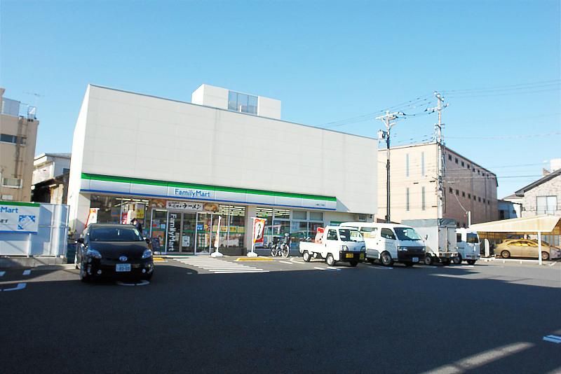 ファミリーマート小菅3丁目店