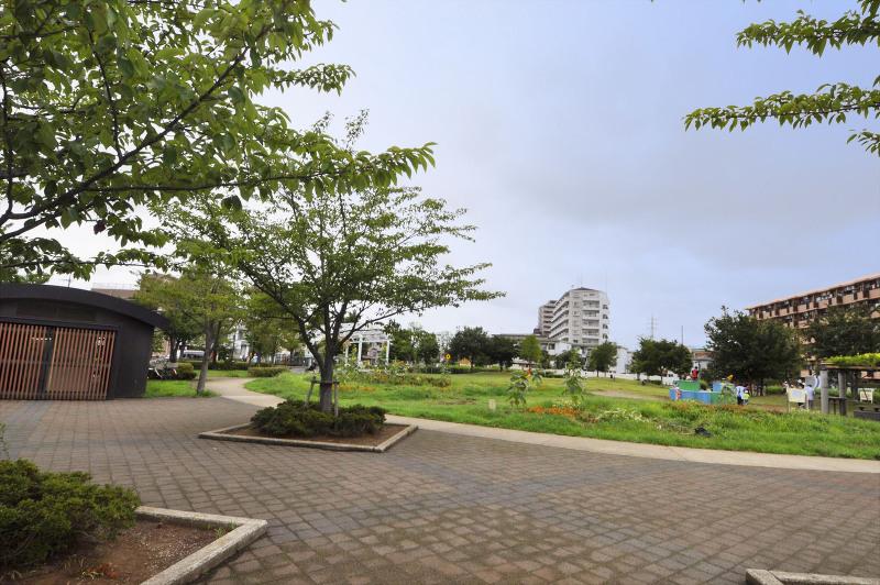 曳舟川親水公園(お花茶屋駅前)