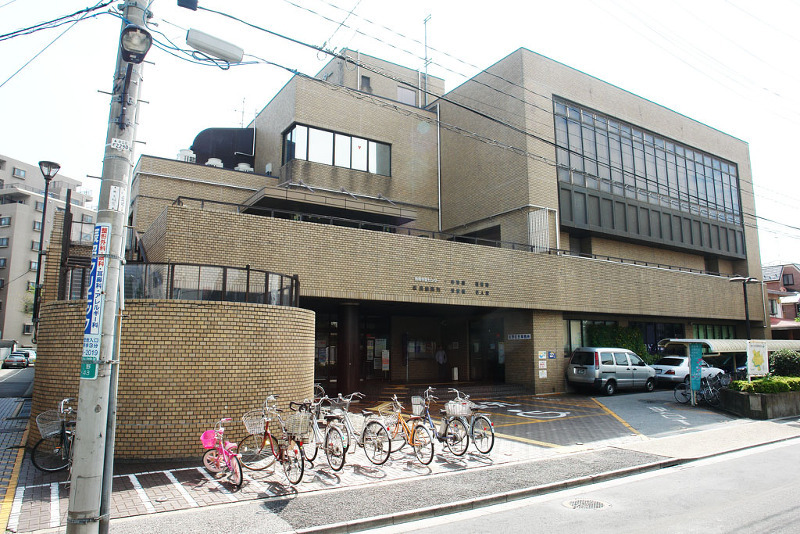 佐野図書館(区民センター内)