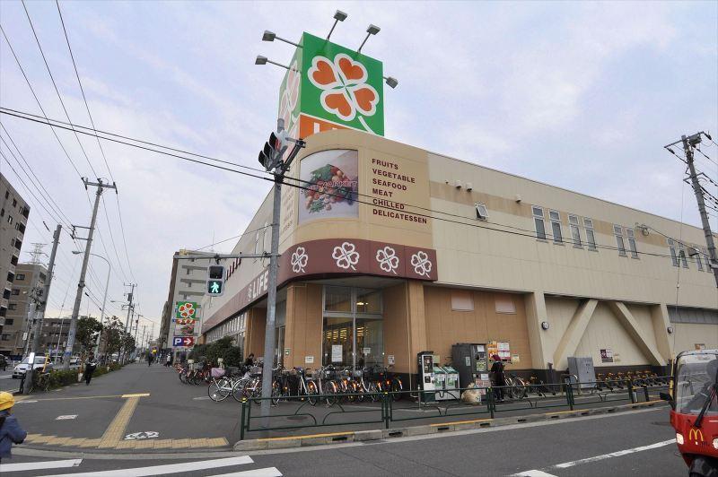 ライフ六町駅前店