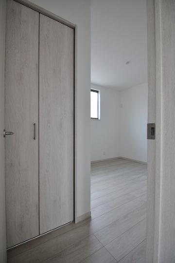 3階 洋室約5.1帖