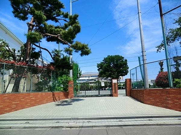 世田谷区立緑丘中学校