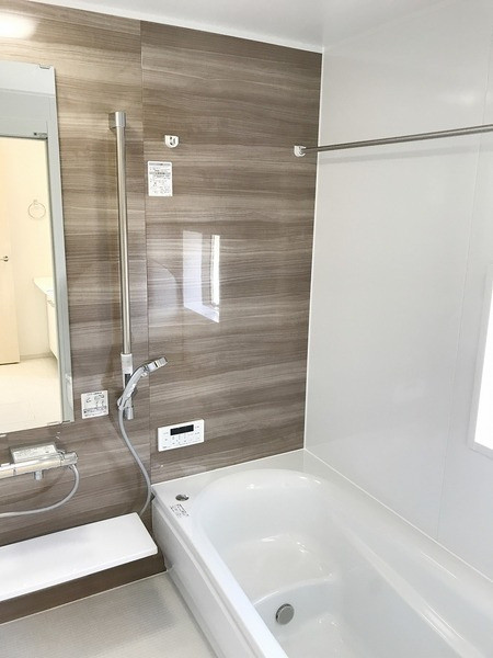 広々1坪。浴室乾燥機付。