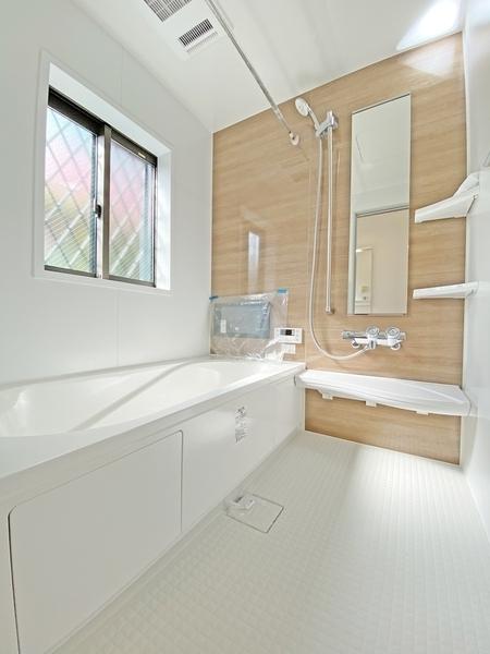 大型浴室TV付、浴室乾燥機付。