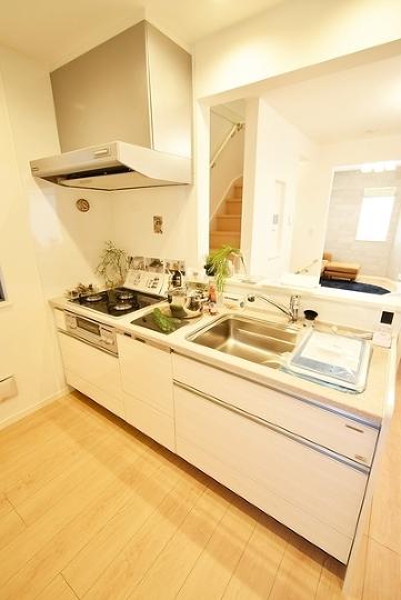 白を基調としたキッチンとなっています!