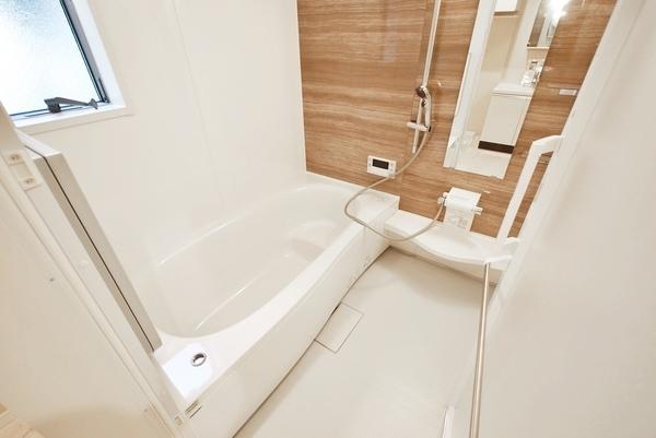 浴室に窓有!しっかりと換気できます!