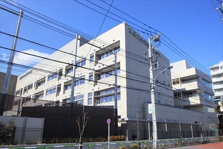 赤羽岩淵中学校 620m