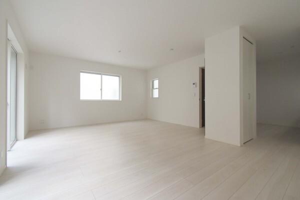 白い壁がより明るい空間にしています!