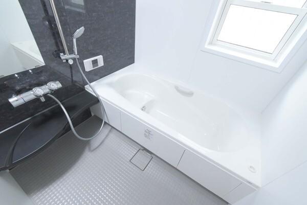 1坪サイズ、浴室乾燥機付きです!!