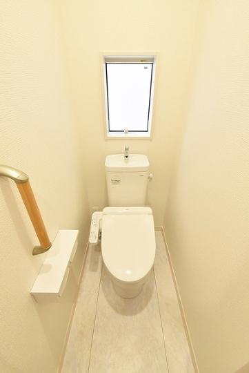 1・2階に設置。来訪者が来ても安心ですね