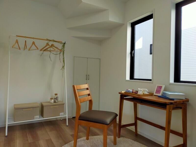 2号棟 1階の洋室はリビングに隣接しているので、一体で利用すると22帖の広々とした空間になります。