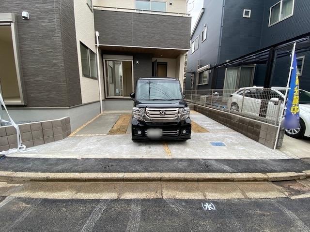 カースペース並列2台駐車可能です。