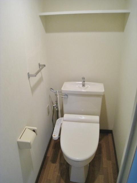 温水洗浄トイレ完備