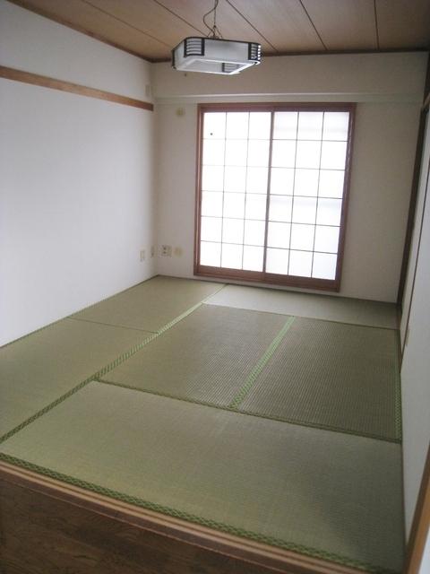 リビング横の和室6帖
