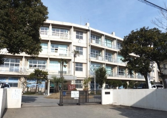千葉市立幕張中学校 350m