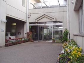 塚田公民館(400m) 宿泊可能避難所・福祉避難所としての機能を有しております。 (船橋市公式ホームページ参照)