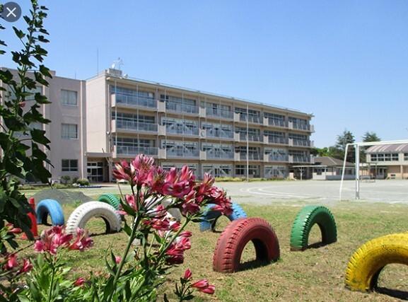 千葉市立真砂第五小学校 300m