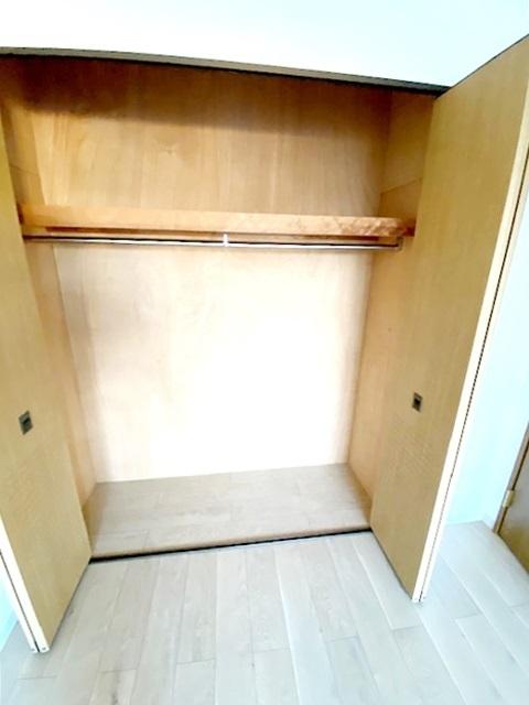 洋室 約6.5帖の収納スペースです。