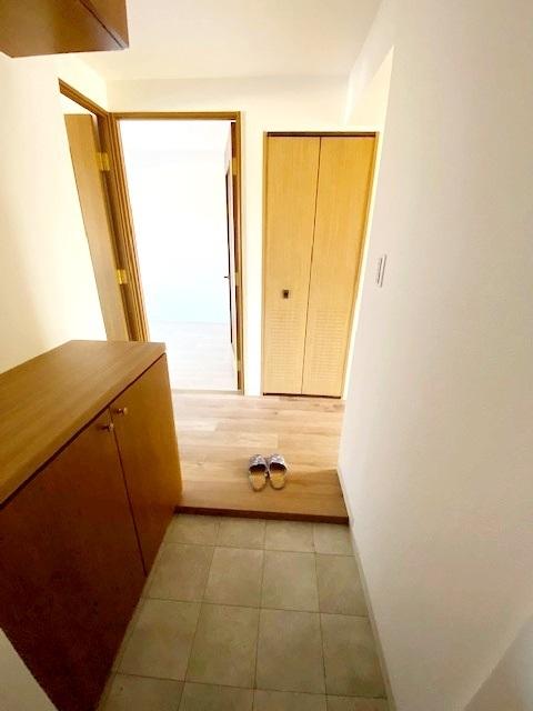 玄関シューズBOX完備。 玄関廻りがすっきりするので、お客様を気持ち良くお出迎えできます。