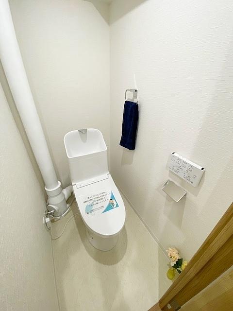 温水洗浄トイレ・新規交換です。