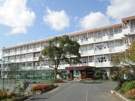 千葉市立真砂中学校 690m