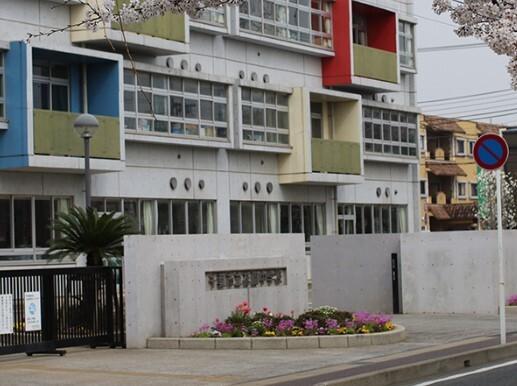 千葉市立花園中学校 320m