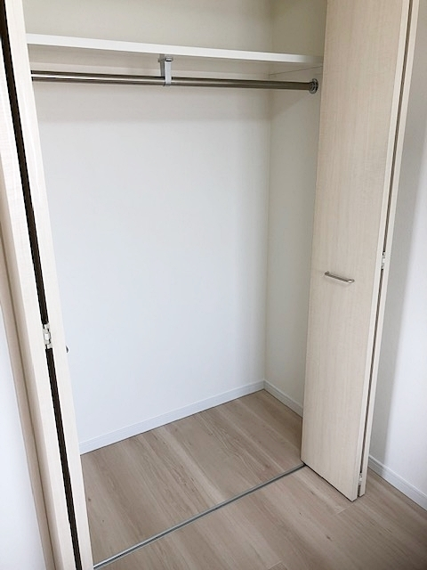 洋室5.0帖の収納スペースです。