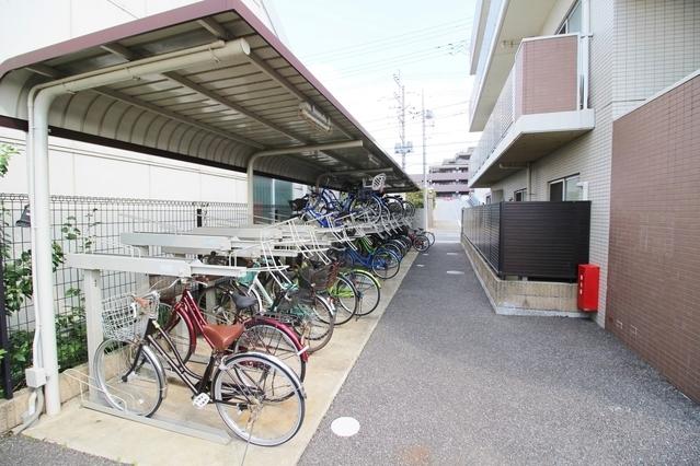 敷地内・駐輪場完備です。