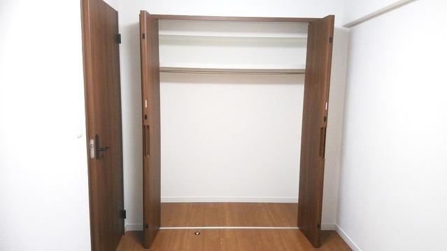 洋室約4帖の収納スペースです。