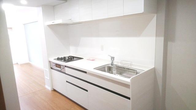 新規・システムキッチン交換致しました。