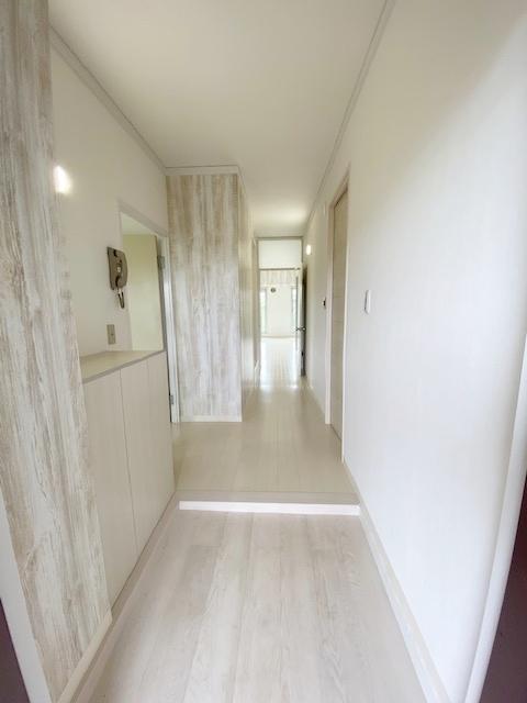シューズBOX付きの玄関スペース。 玄関廻りがすっきりするので、お客様を気持ち良くお出迎えできます。