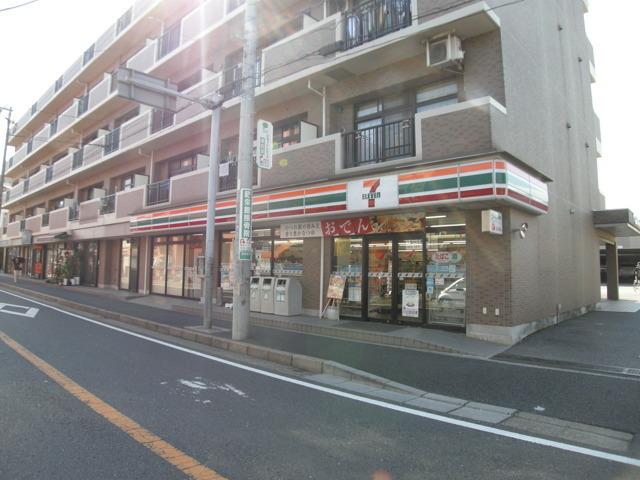 セブンイレブン船橋塚田駅前店 740m 徒歩10分