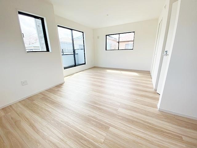 北東側洋室5.2帖と南東側洋室7帖はつなげて使用できます。