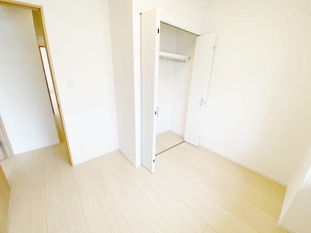 洋室 約4.5帖の収納スペースです。