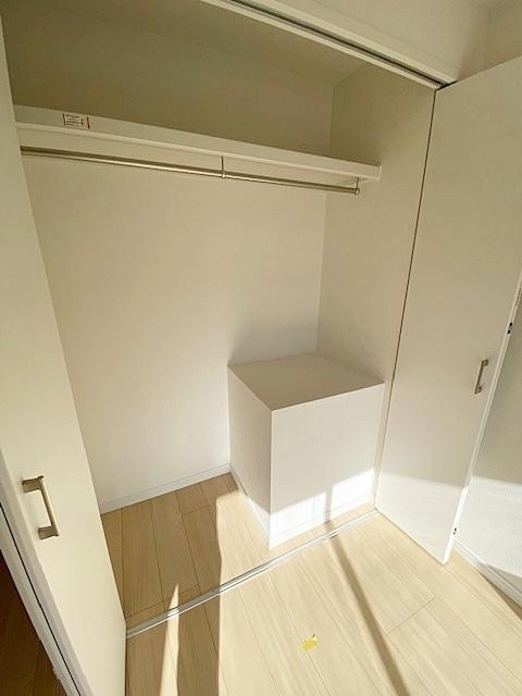 洋室 約5.0帖の収納スペースです。