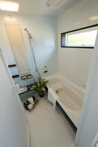 【浴室施工例】1坪タイプの浴室で、毎日の疲れをリフレッシュできます♪