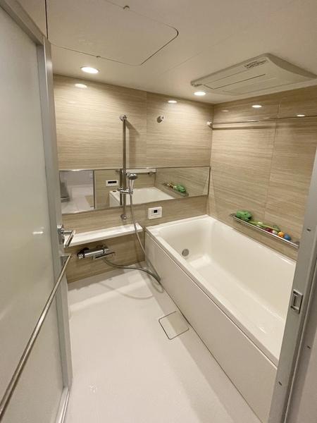 足を伸ばせる癒しの空間 浴室です。