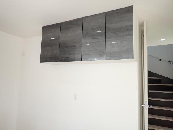 【内観施工例】吊戸棚が標準でついているのでたくさんの物を収納できますね♪