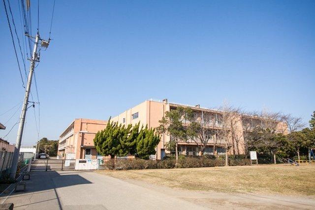 千葉市立稲浜小学校 730m