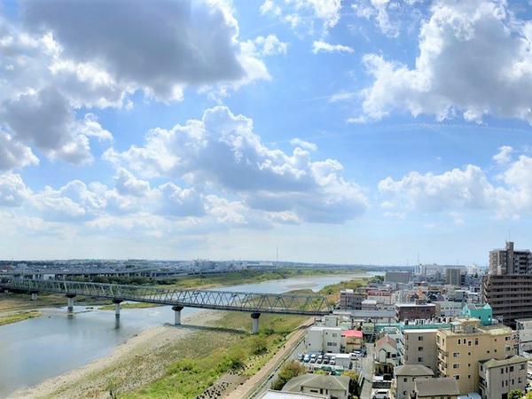 相模川を望みながら暮らせるお家です。