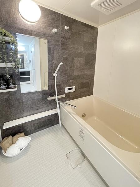 浴室乾燥機は湿気を排しカビ防止に大活躍。