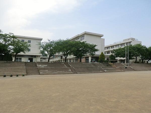 伊勢原市立鳴瀬中学校