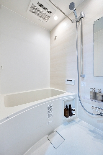 雨の日のお洗濯にも大活躍な浴室乾燥機付。