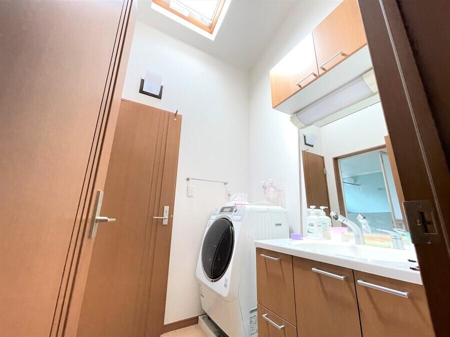 2F 洗面室