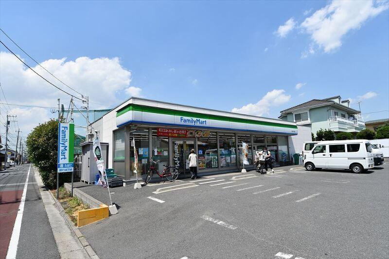 ファミリーマート六木四丁目店