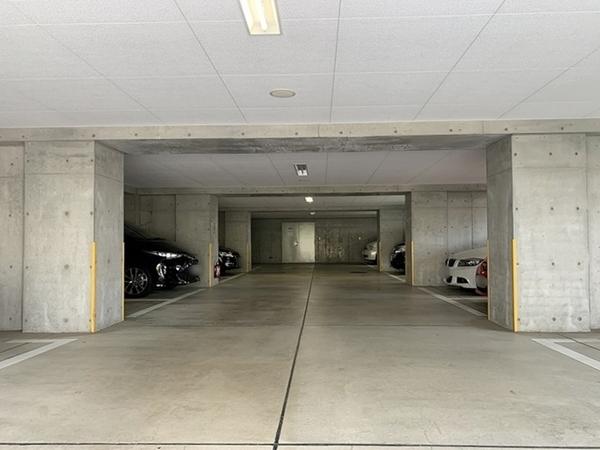 駐車スペースしっかりと確保されています。